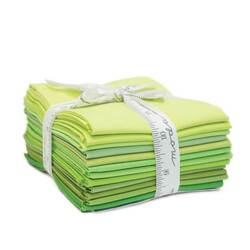 Bella Solids Fat Quarter Bundle in Green