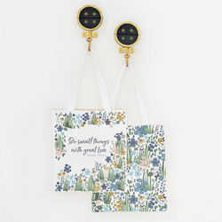 Always Blooming Tote Panel in Fawn