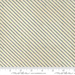Ropes in Pearl Dark Ocean
